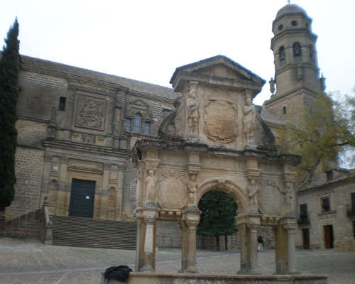 Catedral de Baeza, insigne edificio histórico - deviajeporandalucia : deviaje...