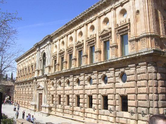 palacio-de-carlos-v