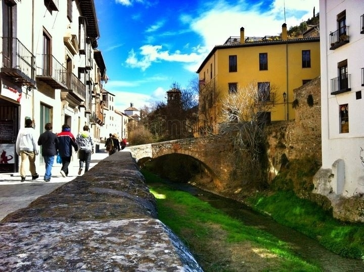 Paseo de los Tristes en Granada